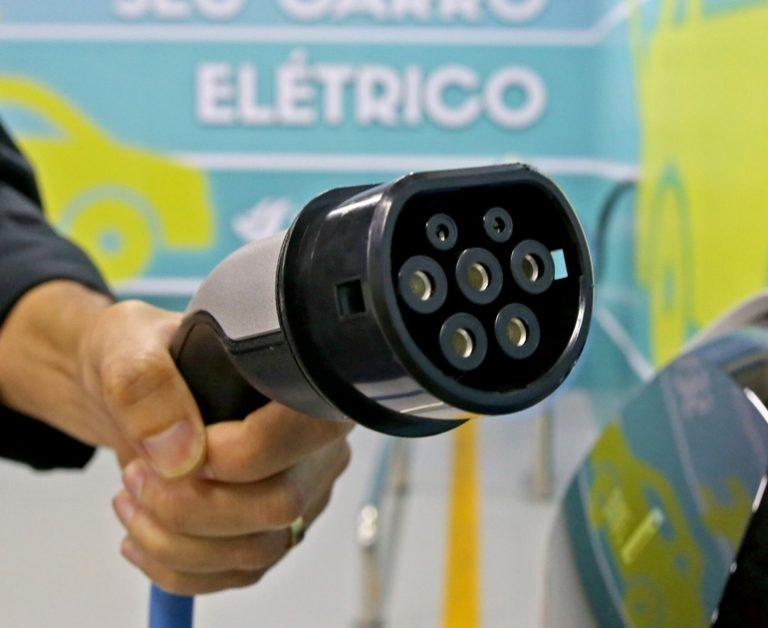 carro-hibrido-ou-100-eletrico-qual-a-melhor-tecnologia
